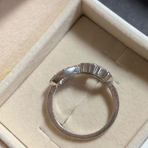 Jewelry - Infinity love ring in silver 925 w/ cubic zirconia